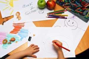 1239803_girl_drawing_back_to_school Liseye Geçiş Sistemiyle İlgili Ayrıntılar